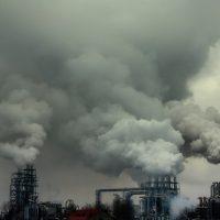 риск заражения коронавирусом выше в загрязненных районах